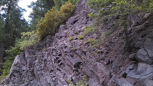 oregon rocks geology basalt hwy58