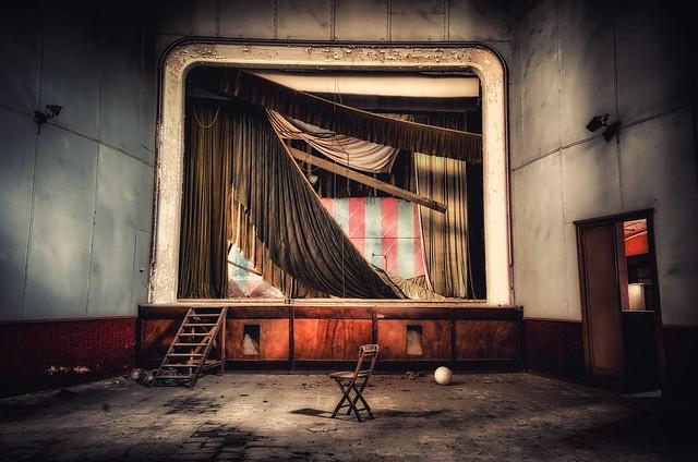Theatre of pain...fragilimemorie.com