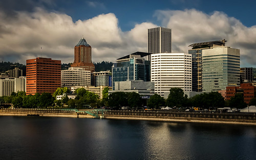 portlandoregon cityskyline cityscape thecityofroses rosecity morninglight architecture downtown buildings clouds willametteriver morrisonbridge tommccallwaterfrontpark august summer thepacificnorthwest urban nikond5100 tamron18270 lightroom5 photoshopbyfehlfarben thanksbinexo späterbisjetzt