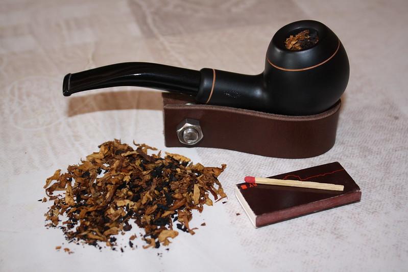 La p'tite boutique de Butz (accessoires fumeurs) 35832856994_d933f450b4_c