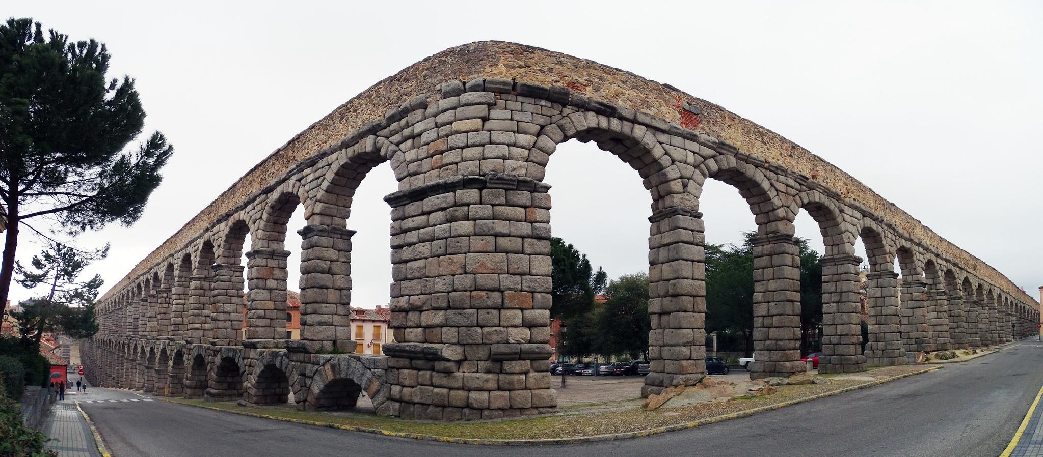 Acueducto de Segovia desde Plaza de Día Sanz