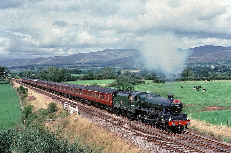 45596 Bahamas works south on the S+C on 31/8/1989.Back then you could get some width at Keld and they usually steamed along here Copyright David Price No unauthorised use please