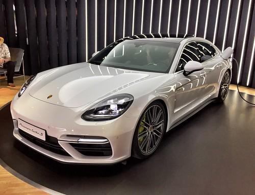 2018 Porsche Panamera Turbo S Photo