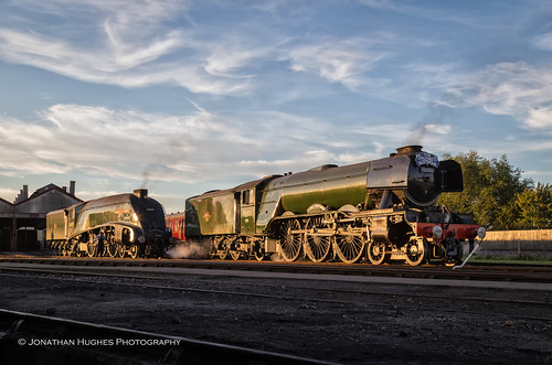gresley steam sunset glow golden locos famous scots flyingscotsman unionorsouthafrica majesty