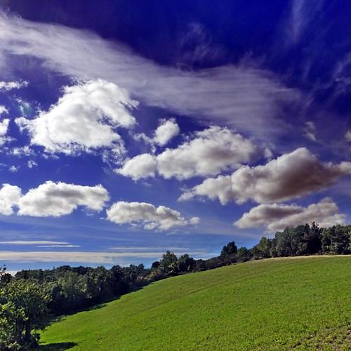 panasonicdmctz30 november 2012 pomas aude 11 languedocroussillon occitanie france europeanunion sky clouds field limoux 100 150 200 300 400 5000 500 10000