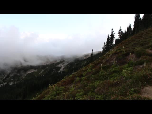 3229 Video of the continuous stream of clouds pouring over into the Lyman Lakes Basin from Cloudy Pass