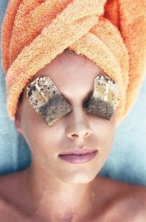 7 Tips to Get Rid of Sagging Eyelids and Get a Gorgeous Look