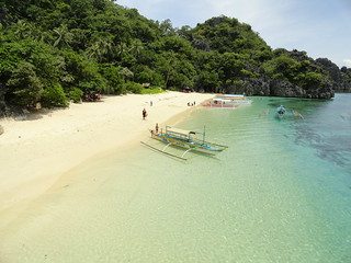 Matukad Island, Caramoan Peninsula, Philippines | by travelourplanet.com