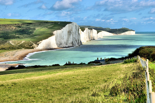 cliffs chalk fence grass view panorama sussex england uk channel nikon sigma path hills 1500v60f ghe