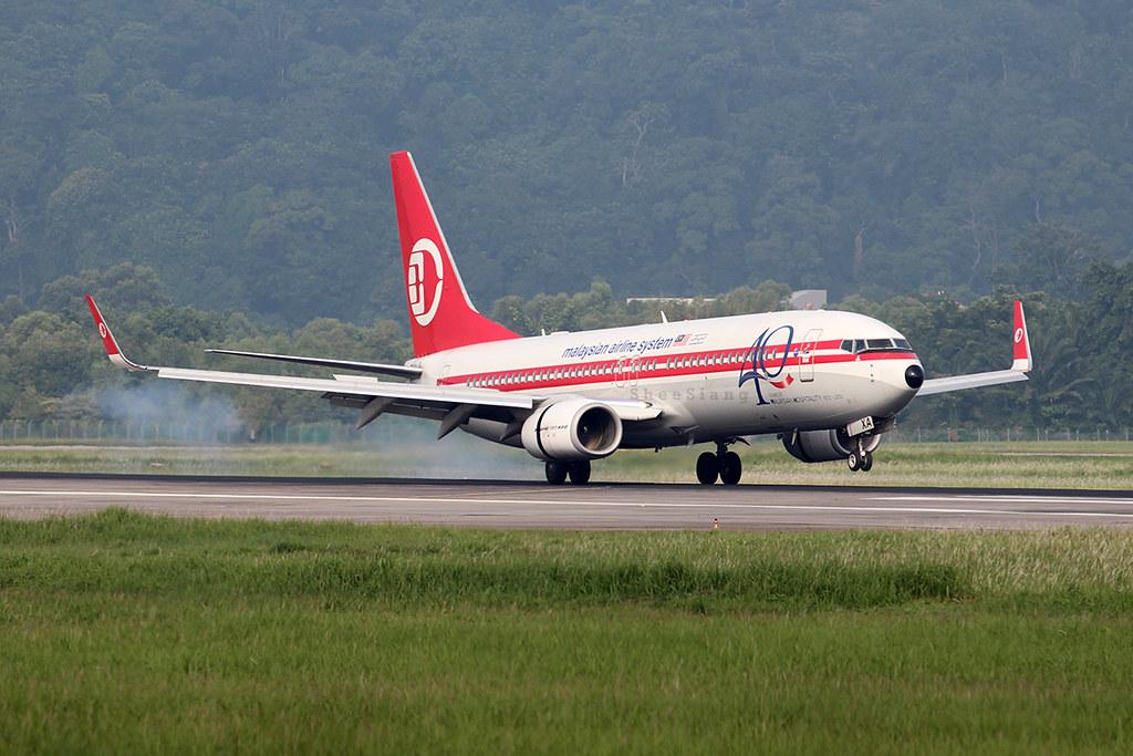 Malaysia Airlines B737-8H6 (9M-MXA)