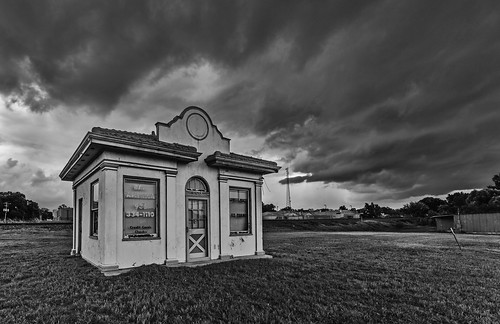 abandoned bw bail bailamerica bailbonds blackwhite blackandwhite building clouds grass monochrome office old storm liberty texas unitedstates us