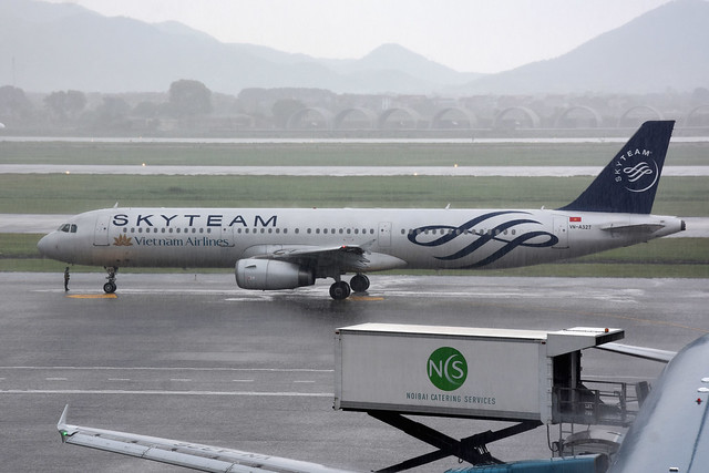 Vietnam Airlines VN-A327
