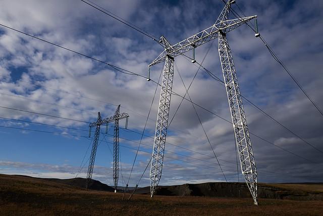 powerlines_L2100423