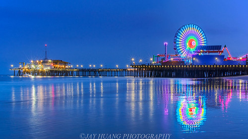 wheel rollercoaster santamonica pacificocean ocean bluehour morning pier reflections sunrise lightburst jayhuangphotography summer