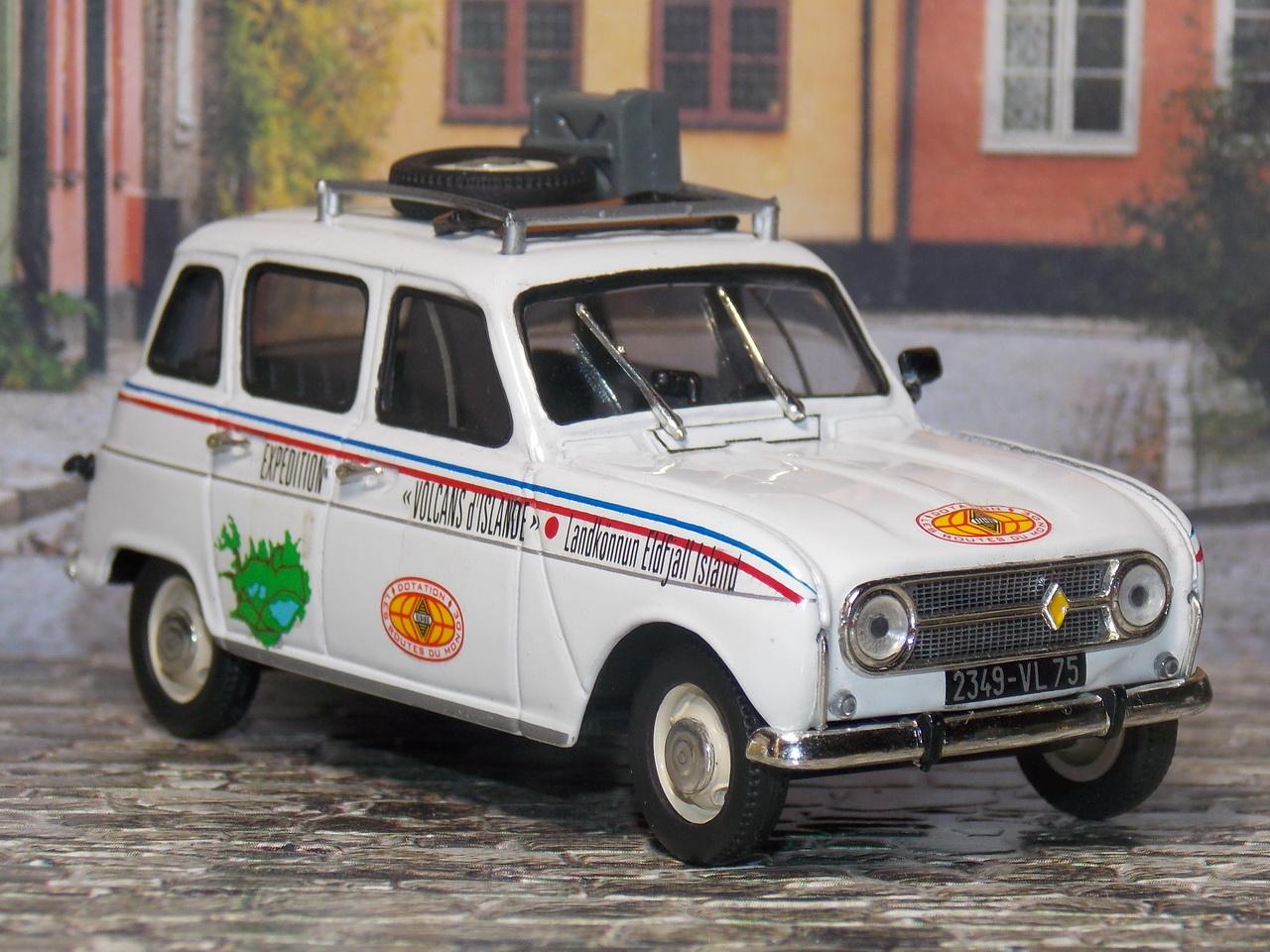 Renault 4 – 1969 – Route du Monde