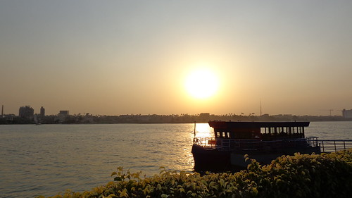 maadi cairo egypt africa travel travelling sunset nile sunsetonthenile sunlight sun sky water wave waves river rivers nileriver thenileriver nilesunset boat boats felucca maadiisland islands island