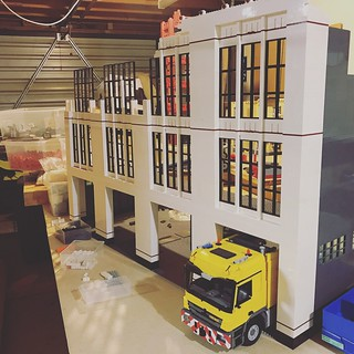 WIP LEGO 1:16 scale fire station