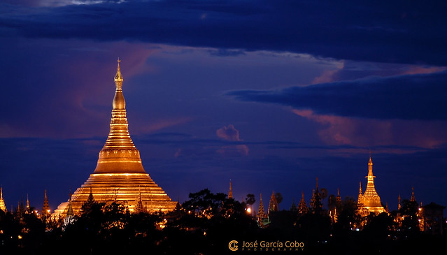 11-10-09 Myanmar (155) Yangon R01