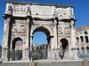Konstantinův oblouk před Koloseem, foto: Petr Nejedlý