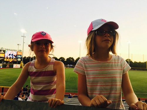500views 1000views kids baseball hillsboro oregon summer evie mady madelyn evangeline family sisters usa americana childhood sport 2017 iphone