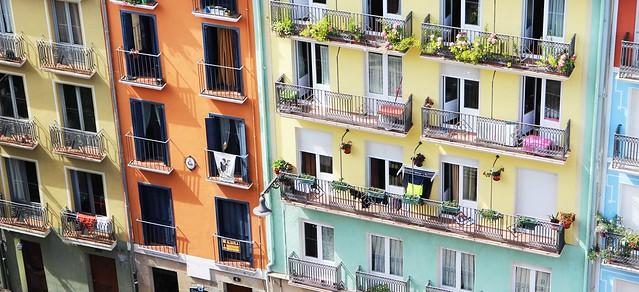Spain, Navarra, Pamplona – Colourful facades