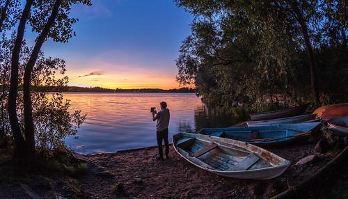 15mm pitkäjärvi auringonlasku laaksolahti valokuvaaja syksy vene fisheye järvi serene aurinko autumn boat fall lake photographer prime sun sundown sunset espoo
