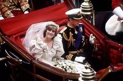 """出軌偷情 英國王室""""三人婚姻""""被曝光"""