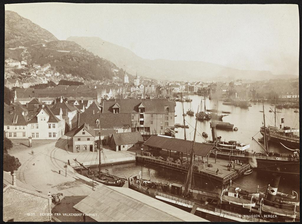 8639. Bergen fra Valkendorftaarnet