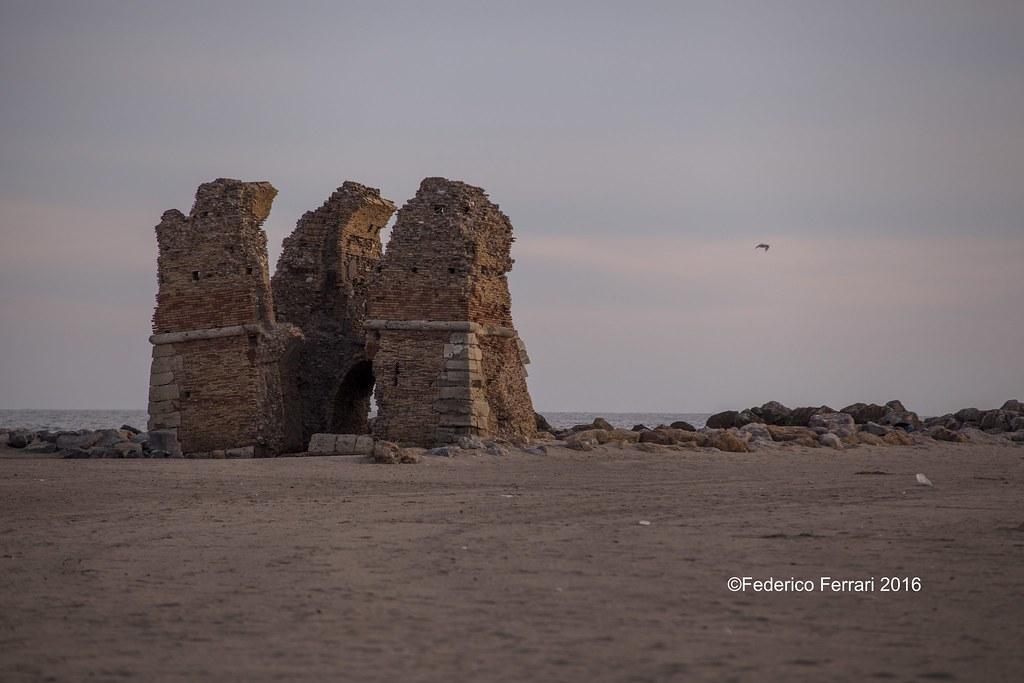 31 torre flavia rudere diversi campi spiaggia