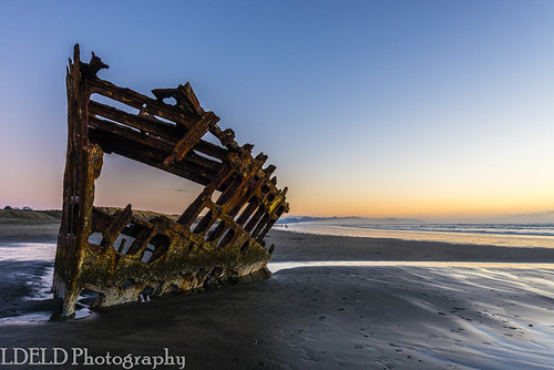 beach sand ocean sunset pacific oregon clatsop fortstevens peteriredale graveyardofthepacific wreck shipwreckdusk shipwreck dusk