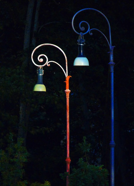 Primary  urban lamppost