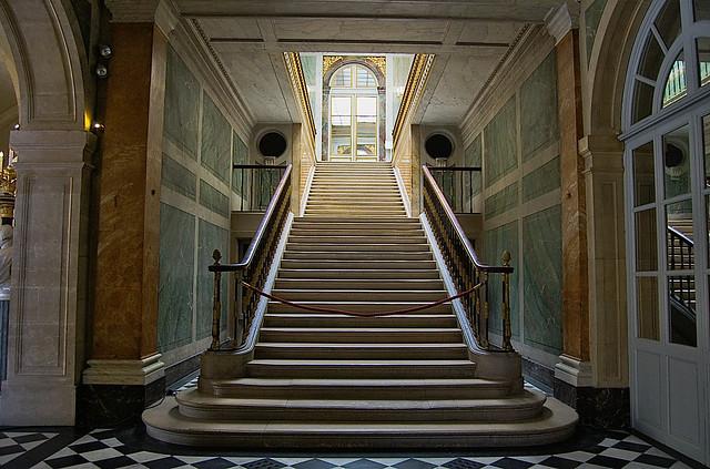 escadaria no interior  de Versalhes    DSC_5780_lzn2