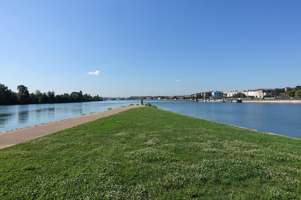 """Résultat de recherche d'images pour """"The banks of the Saône and Rhône rivers lyon"""""""