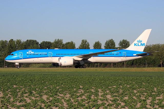 KLM - Royal Dutch Airlines  Boeing 787-9 Dreamliner PH-BHA