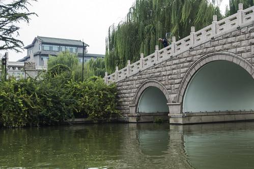 asia china jinan people shandong sonyrx100iii architecture bridge building lake nature streetlight urban water chn