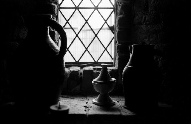 FILM - Low-key vases