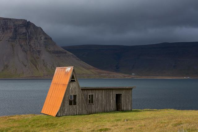 Orange Hut, Fossfjörður