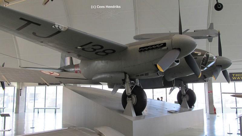 De Havilland Mosquito B.35 3