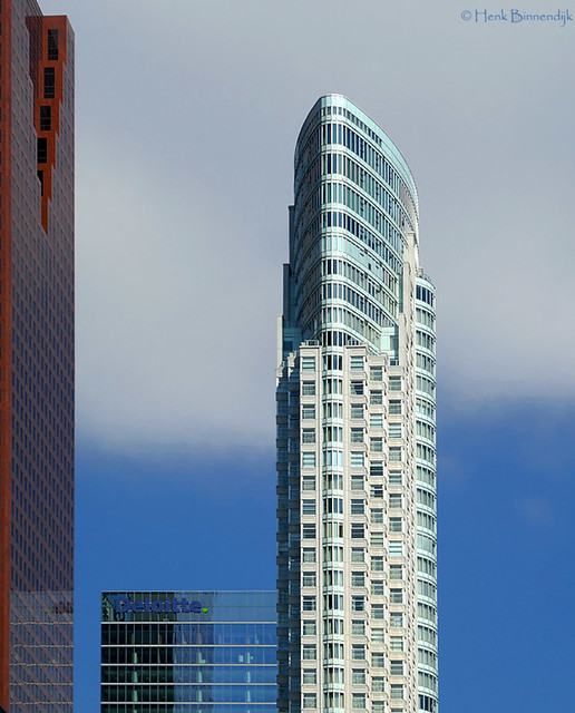 Canada: Toronto One King West tower