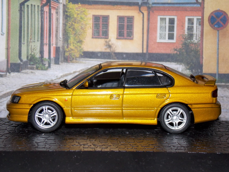 Subaru Legacy B4 – 1999