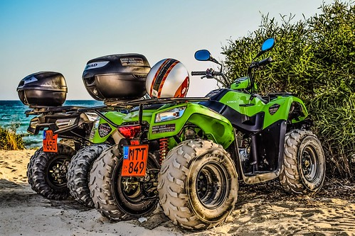 Buggy off road   by Wallboat