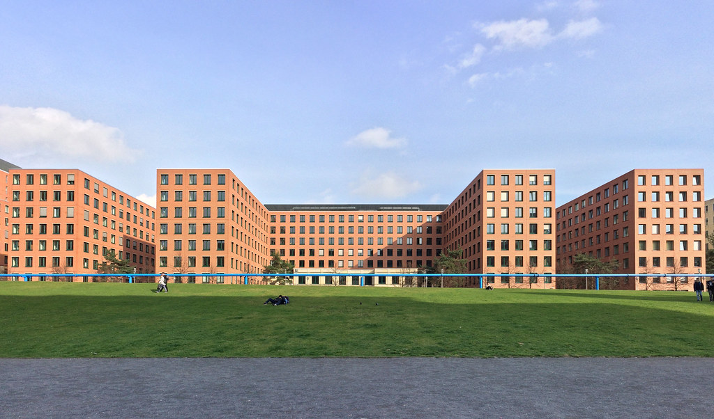 Potsdamer Platz, Park-Kolonnaden, Tilla-Durieux-Park
