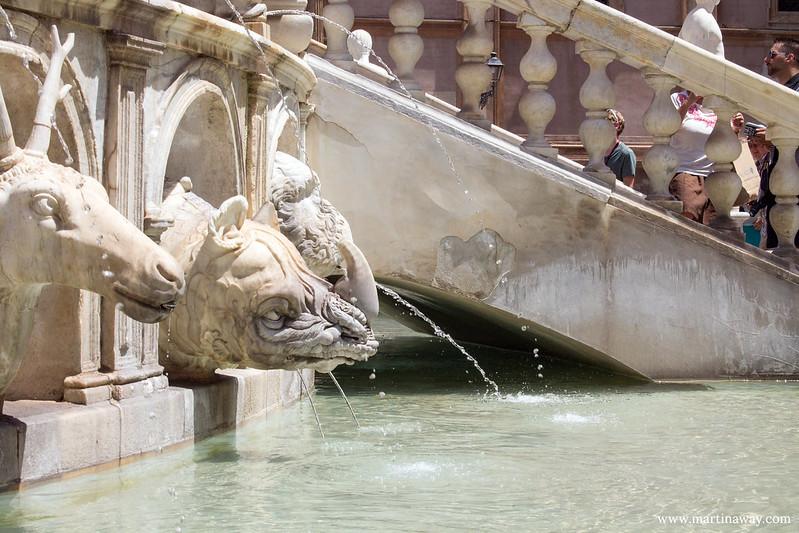 Fontana Pretoria,  cosa vedere a Palermo