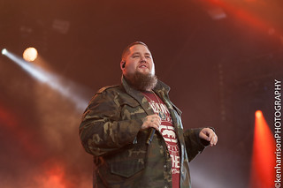 Rag 'N' Bone Man plays Festival No.6, Portmeirion, Wales, UK on Sunday 10th September, 2017. | by Gig Junkies