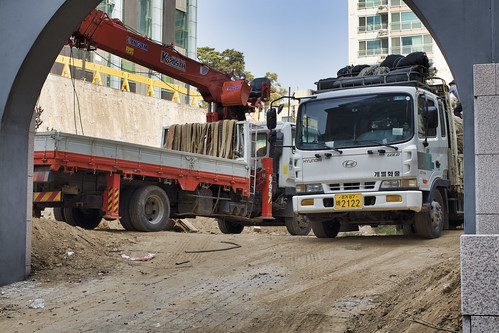 Heavy trucks in cheongjongno | by Matthew P Sharp