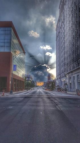 sunset greenboro greensboronc greensboronorthcarolina greenboropenguin downtown elmstreet marketstreet cityscape city clouds