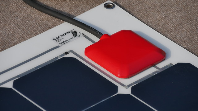 Sat, 08/12/2017 - 17:41 - SOLBIAN ALLinONE Solar Panel closeup of the MPPT charge controller
