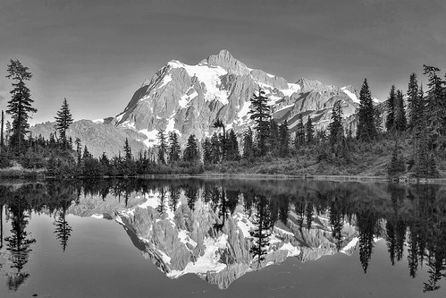 baker mtbaker picturelake cascades pnw pacificnorthwest reflection beautiful trip vacation camp ski