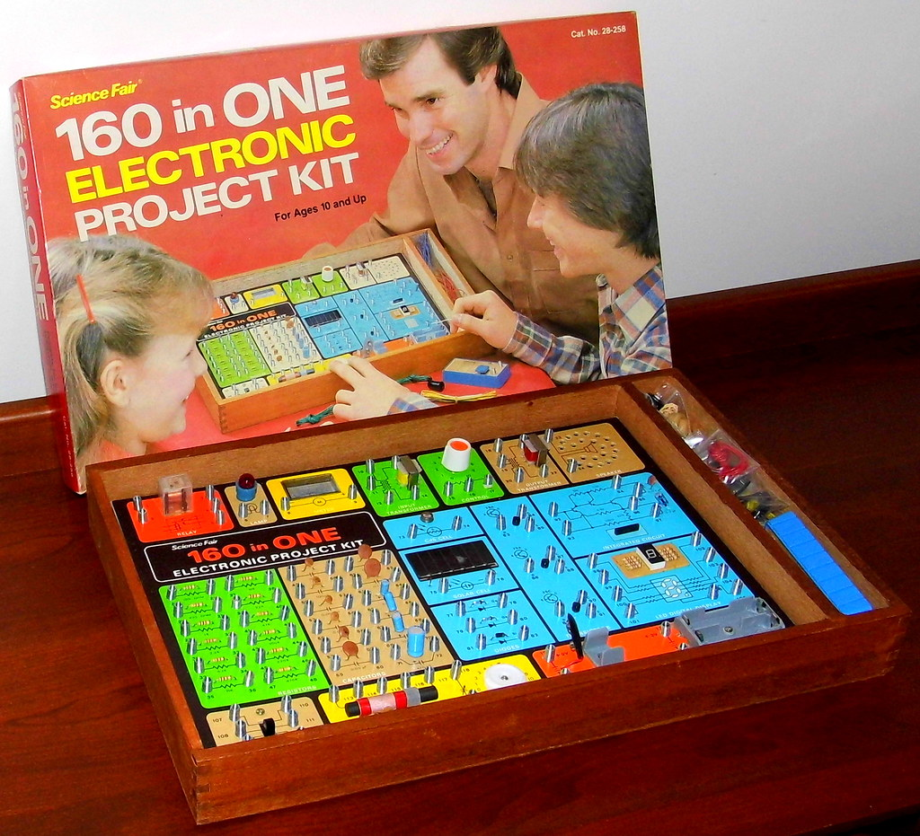 Vintage Science Fair 160 In One Electronic Project Kit By