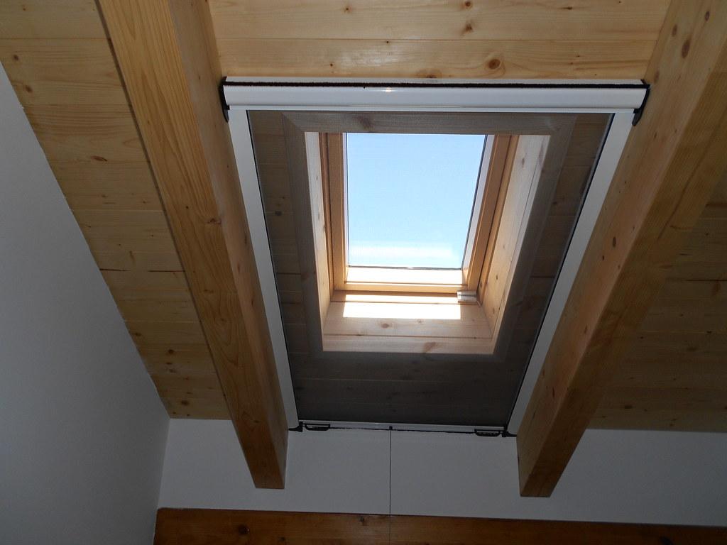 Zanzariera per velux e finestre da tetto